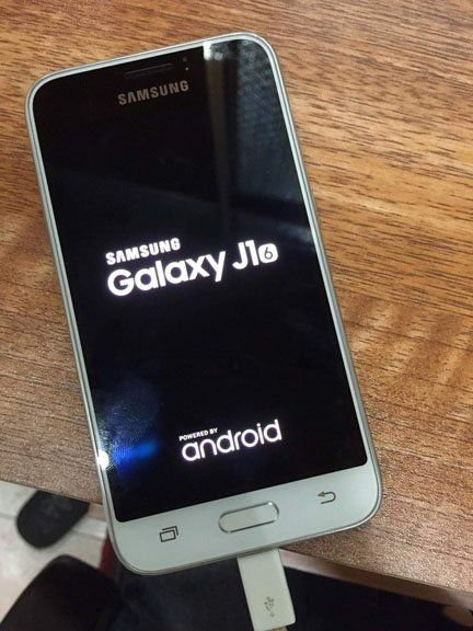 Samsung Galaxy J1 Android