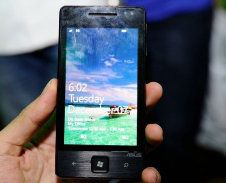 Asus E600 Windows Phone 7