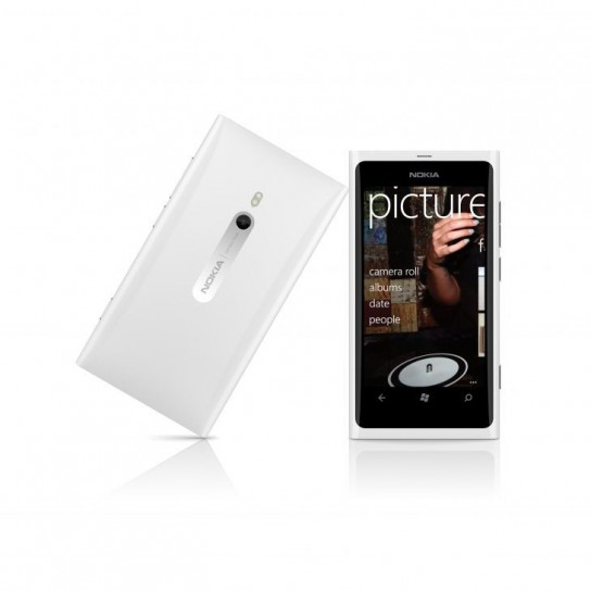 Nokia Lumia 800 white edition
