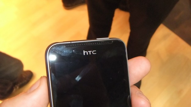 HTC One V logo