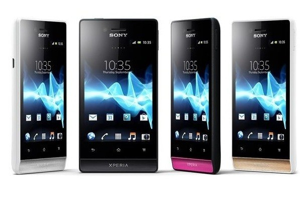 Sony Xperia Miro il colorato Android 4 ICS social [FOTO e VIDEO]