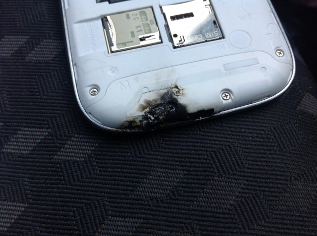 Samsung Galaxy S3 in autocombustione? Colpa del microonde [FOTO]