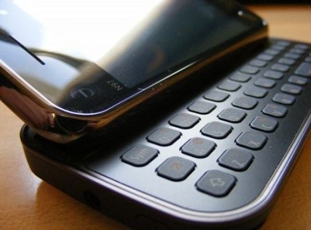 Nokia N900 vs Nokia N97 Mini QWERTY