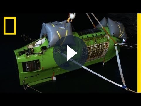 James Cameron su un sottomarino a -11km da solo [VIDEO]