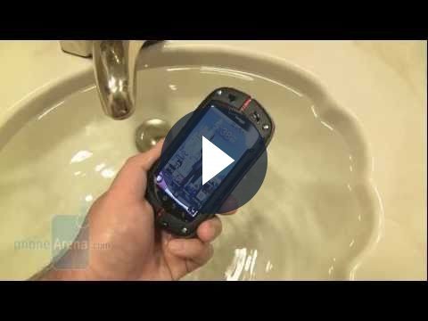 Smartphone Casio G'zOne Commando alla prova immersione, video!