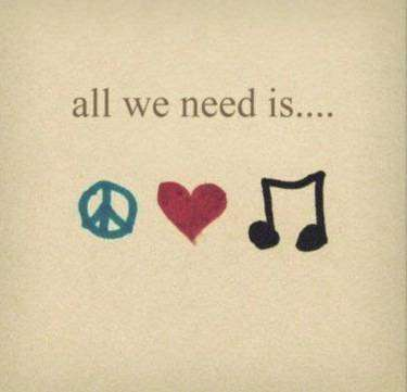 immagine profilo WhatsApp d'amore: all we need